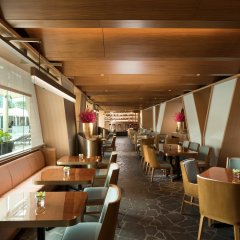 Отель Conrad Centennial Singapore гостиничный бар фото 3