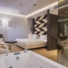 Отель IH Hotels Milano Ambasciatori 4* Люкс с двуспальной кроватью фото 7