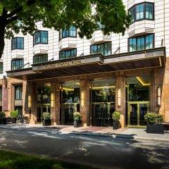 Отель Hilton Vienna Plaza Вена вид на фасад фото 2