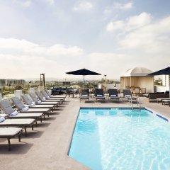 Отель Le Montrose Suite Hotel США, Уэст-Голливуд - отзывы, цены и фото номеров - забронировать отель Le Montrose Suite Hotel онлайн бассейн
