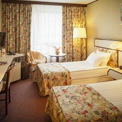 Гостиница Космос 3* Улучшенный номер с 2 отдельными кроватями