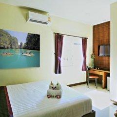 Отель At Phuket Guest House комната для гостей фото 4