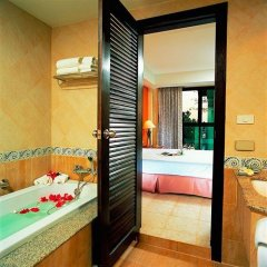 Отель By the Sea 3* Улучшенный номер с разными типами кроватей фото 2