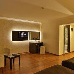 Отель Zingaro сейф в номере