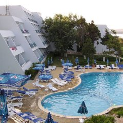 Отель Luca Helios Beach бассейн