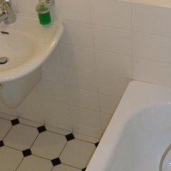 Отель Royal Route Aparthouse Прага ванная