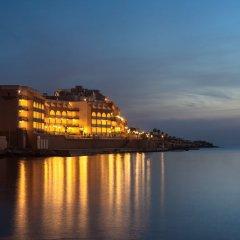 Marina Hotel Corinthia Beach Resort пляж