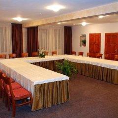 Отель Rodina Болгария, Банско - отзывы, цены и фото номеров - забронировать отель Rodina онлайн помещение для мероприятий фото 2