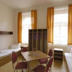 Отель Junior комната для гостей фото 4