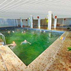 Гостиница Sanatorium Istra в Истре отзывы, цены и фото номеров - забронировать гостиницу Sanatorium Istra онлайн Истра бассейн фото 2