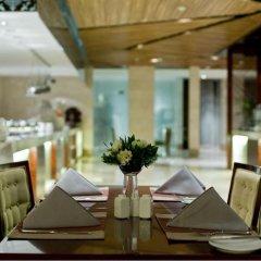 Отель DoubleTree by Hilton Shanghai Jing'an Китай, Шанхай - отзывы, цены и фото номеров - забронировать отель DoubleTree by Hilton Shanghai Jing'an онлайн питание фото 4