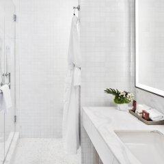 Отель Conrad New York Midtown США, Нью-Йорк - отзывы, цены и фото номеров - забронировать отель Conrad New York Midtown онлайн ванная