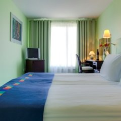 Гостиница Park Inn by Radisson Poliarnie Zori, Murmansk 3* Президентский люкс двуспальная кровать фото 2