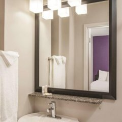 Отель La Quinta Inn & Suites New York City Central Park 2* Кровать в общем номере с двухъярусной кроватью фото 2