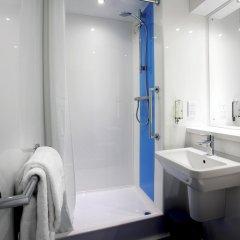 Отель Travelodge Paisley Великобритания, Глазго - отзывы, цены и фото номеров - забронировать отель Travelodge Paisley онлайн ванная фото 2