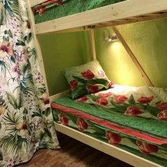 Хостел ХотелХот Бауманская Кровать в общем номере