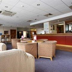 Отель Travelodge Hatfield Central интерьер отеля