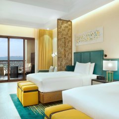 Отель DoubleTree by Hilton Resort & Spa Marjan Island комната для гостей