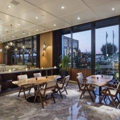 Отель Hilton Istanbul Maslak гостиничный бар