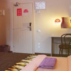 Хостел Привет Стандартный номер с 2 отдельными кроватями фото 3