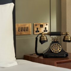 100 Queen's Gate Hotel London, Curio Collection by Hilton удобства в номере