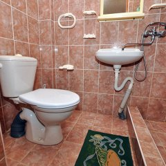 Гостиница Vek Guest House в Ольгинке отзывы, цены и фото номеров - забронировать гостиницу Vek Guest House онлайн Ольгинка ванная