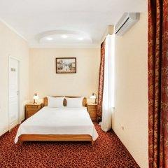 Гостиница Бристоль 3* Стандартный семейный номер с различными типами кроватей