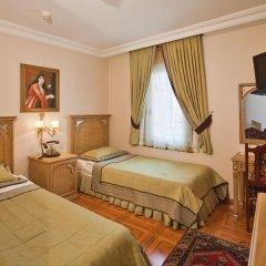 Отель Alzer 2* Стандартный семейный номер с различными типами кроватей фото 2