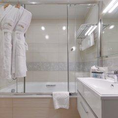 Гостиница Де Пари 4* Улучшенный номер с различными типами кроватей фото 8