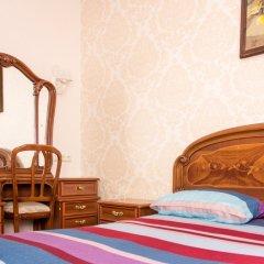 Хостел Trinity & Tours Стандартный номер с двуспальной кроватью (общая ванная комната) фото 2