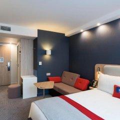 Отель Holiday Inn Express Paris - CDG Airport 3* Улучшенный номер с различными типами кроватей фото 2