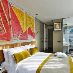 Отель Ikonik The Public 4* Улучшенный номер с различными типами кроватей