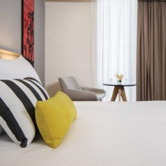 Отель Travelodge Sukhumvit 11 4* Улучшенный номер с различными типами кроватей фото 2
