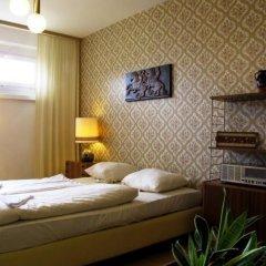 Отель OSTEL - Das DDR Hostel Германия, Берлин - 3 отзыва об отеле, цены и фото номеров - забронировать отель OSTEL - Das DDR Hostel онлайн комната для гостей фото 4
