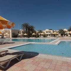 Отель Hôtel Venice Beach Djerba Тунис, Мидун - отзывы, цены и фото номеров - забронировать отель Hôtel Venice Beach Djerba онлайн бассейн фото 5
