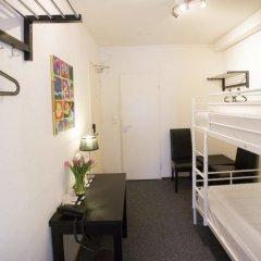 Quentin England Hotel 2* Кровать в общем номере с двухъярусной кроватью фото 2
