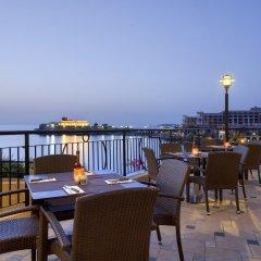 Marina Hotel Corinthia Beach Resort питание