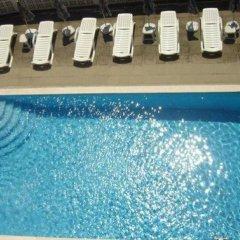 Chris Hotel Sveti Vlas бассейн