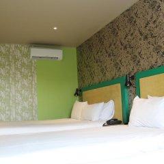 Queens Hotel 3* Улучшенный номер с различными типами кроватей