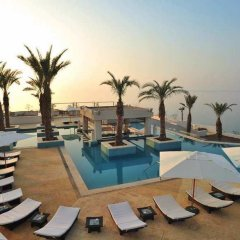 Отель Hilton Dead Sea Resort & Spa бассейн