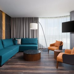 Гостиница Фор Поинтс бай Шератон Краснодар комната для гостей фото 15