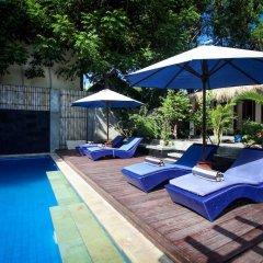 Отель Bale Sampan Bungalows бассейн фото 2