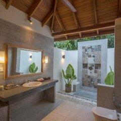 Отель Reethi Faru Resort 5* Стандартный номер с различными типами кроватей фото 2