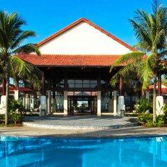 Отель Golden Sand Resort & Spa бассейн