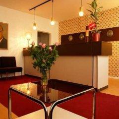 Отель OSTEL - Das DDR Hostel Германия, Берлин - 3 отзыва об отеле, цены и фото номеров - забронировать отель OSTEL - Das DDR Hostel онлайн интерьер отеля