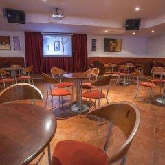 Отель Vitor's Plaza гостиничный бар