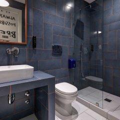 Отель Colors Urban Салоники ванная