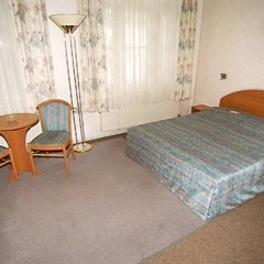 Отель Junior комната для гостей фото 2