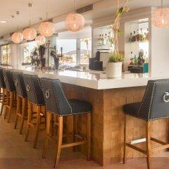 Отель Tomir Portals Suites гостиничный бар