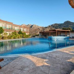 Отель Anavadia бассейн